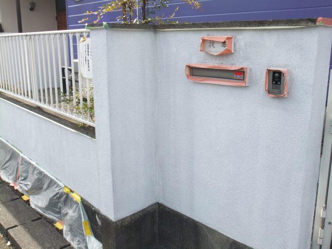 塀 下塗り後